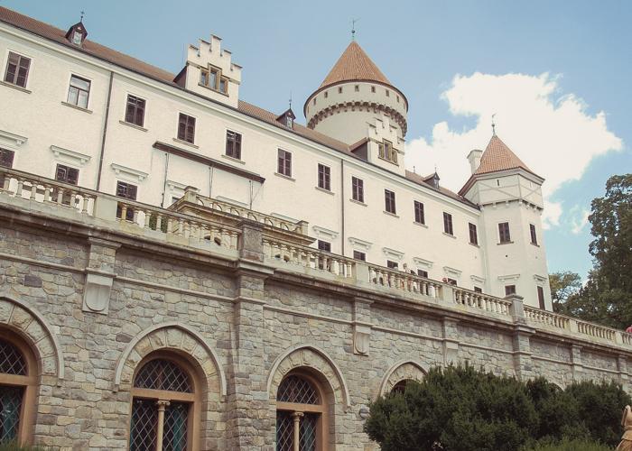 Visita Castillo de Konopiste con SATO TOURS